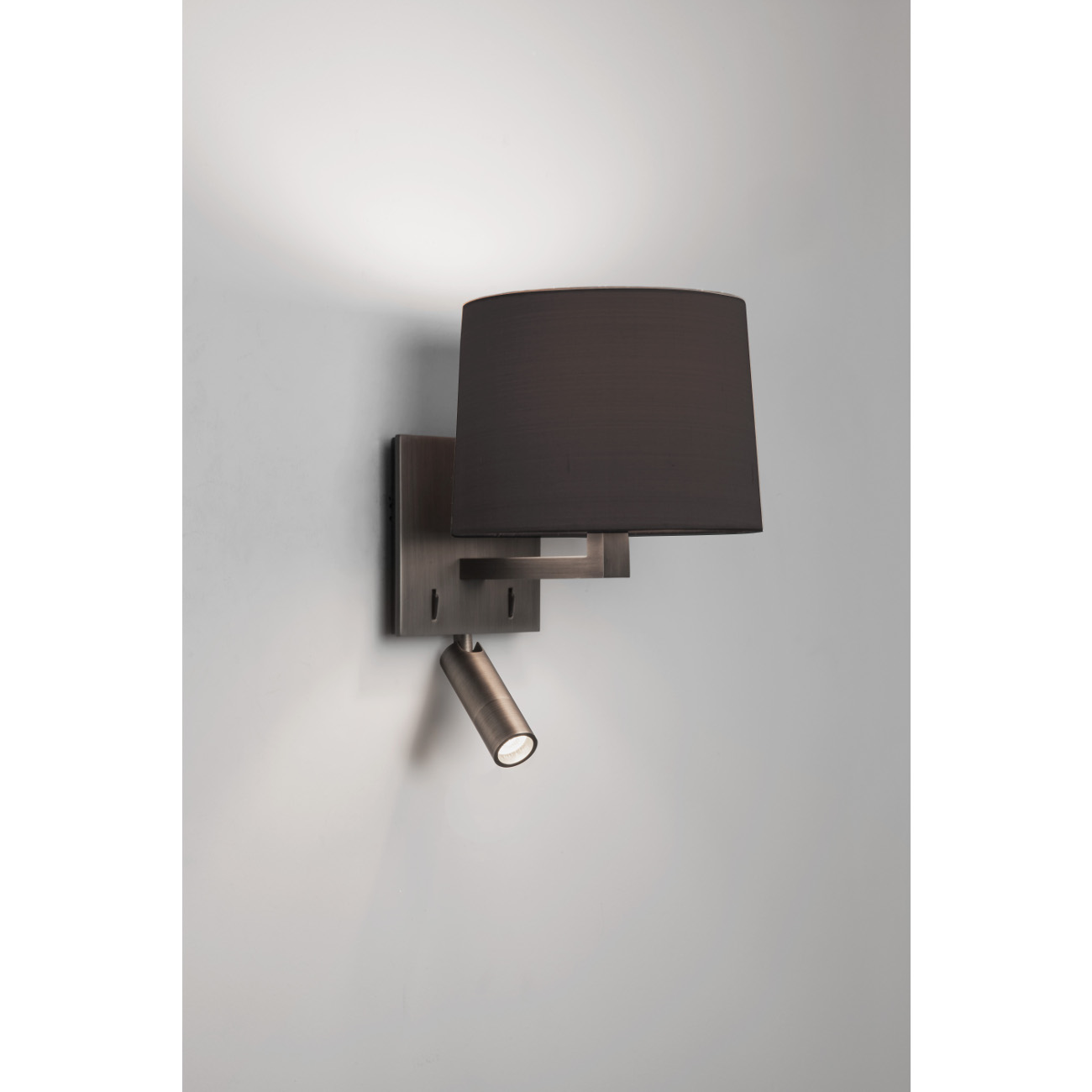 wandlampe mit rundem schirm und schwenkbarem led licht azumi reader. Black Bedroom Furniture Sets. Home Design Ideas