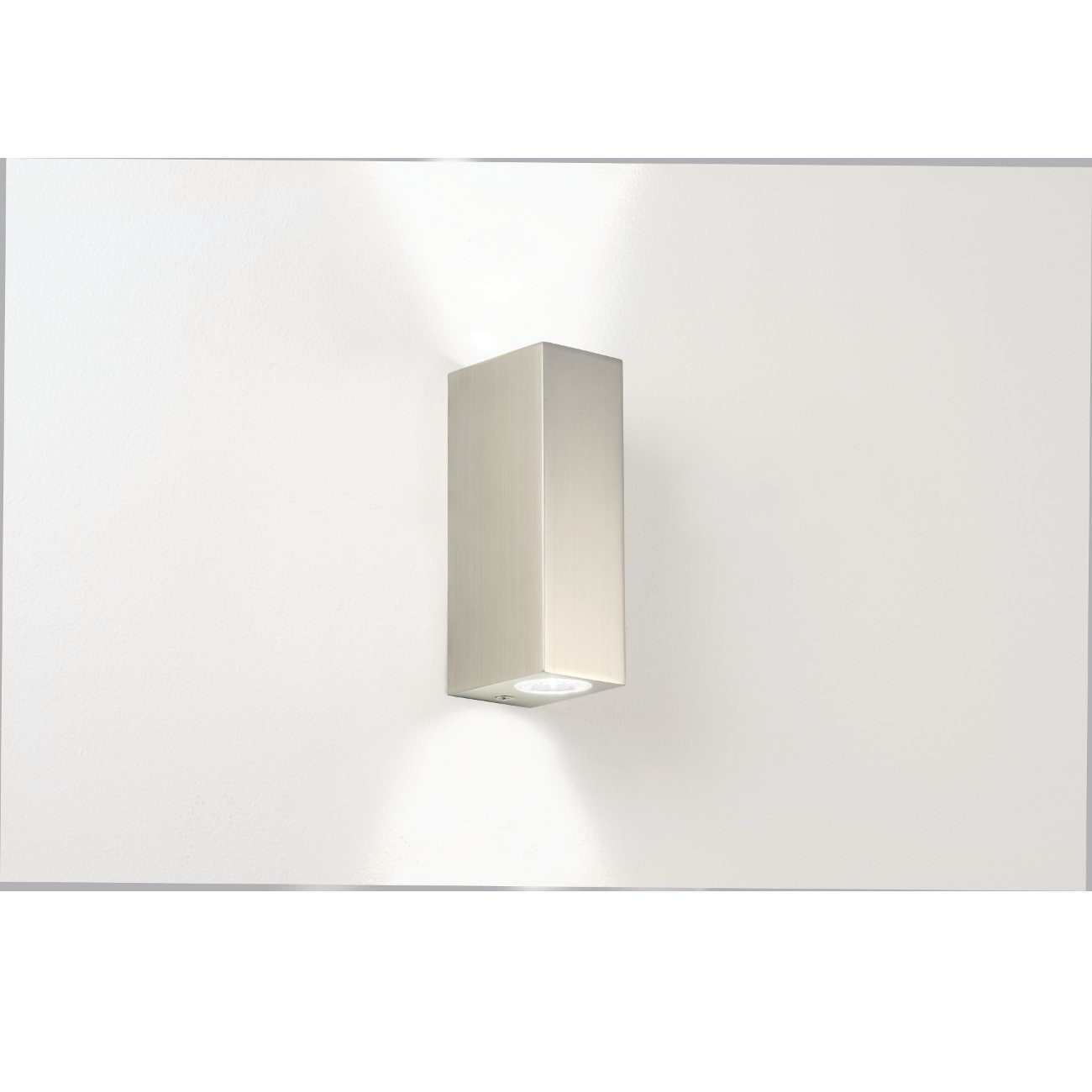 Moderne, eckige LED-Wandleuchte IP44 als Up- / Downlight BLOC