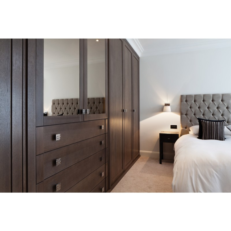 wandleuchte mit walnuss holz und cremewei em plissee schirm nola walnut. Black Bedroom Furniture Sets. Home Design Ideas